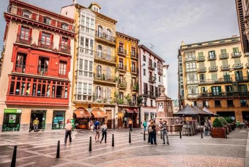 A Walking Tour of Bilbao's Old Quarter
